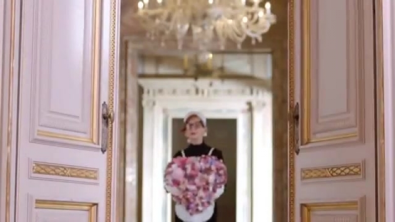Moschino Pink Bouquet Ad Campaign