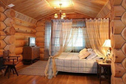 Спальня в деревянном доме (1 фото) - картинка