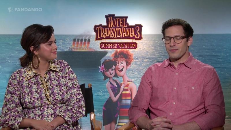 Интервью в рамках промоушена анимационного фильма «Монстры на каникулах 3» для «Fandango All Access», Голливуд (28 июня 2018)