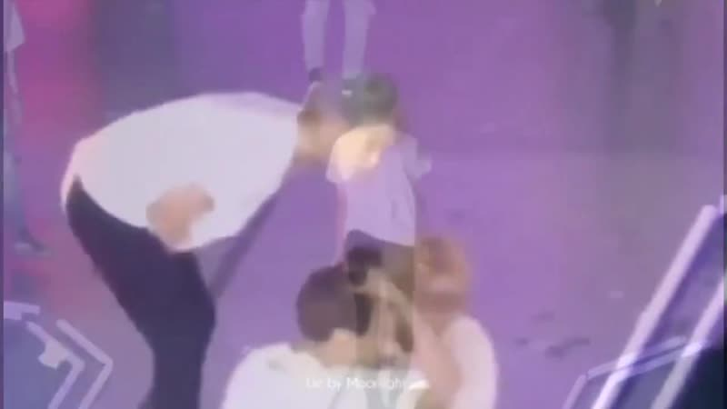 Jimin casually kissed taehyungs head!! what goes on
