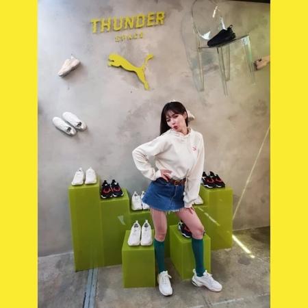 "PR LINE KOREA l 피알라인 코리아 on Instagram: ""_ HOTEVENT . . 푸마 썬더 스페이스에 현아가 떴다⚡️ . . 생생한 행사 현장에 피알라인이 함께했어요🤳🏻 . . 훨씬 더 이뻐진 미모를 뽐내며 행사장을 더욱 환하게 밝혀주었는데요,..."