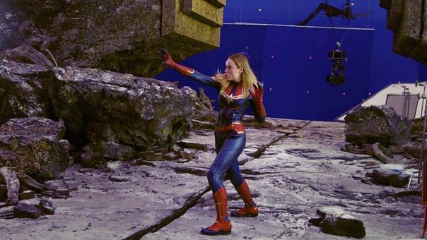 Ваша любимая Бри Ларсон поделилась фото с самой первой примерки костюма Капитана Марвел на камеру