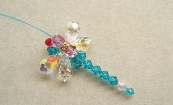 Вот фото. схема плетения из бисера. стрекозы.  Всё очень легко и понятно.