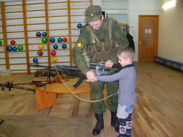 Ученикам воскресной школы раздали оружие и бронежилеты - Страница 3 Sk1Q_QvXMDE