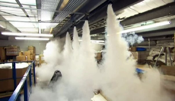 вентиляции или под потолок