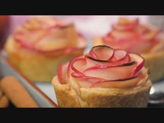 Розочки из слоеного теста и яблок 🌹🍎😻Шикарный десерт!