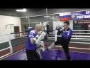 Тренер Хмыров Владислав. Кик-боксинг тренировка. Отработка комбинации из 4-х ударов на лапы нога руки нога.