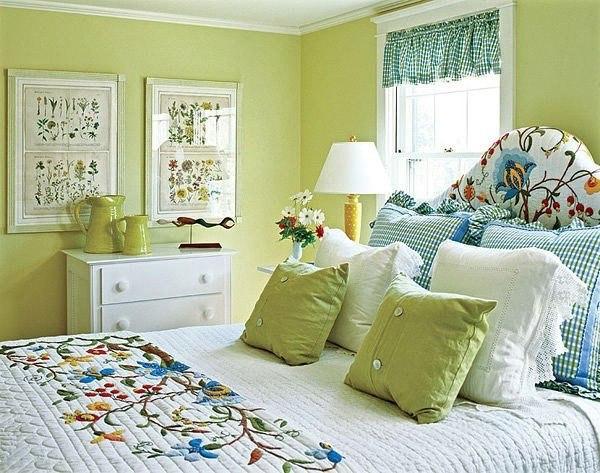 Спальня в зеленых тонах (1 фото) - картинка