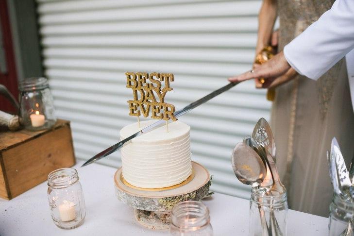 tx pVoLP1Jw - Золотые и серебряные свадебные торты 2016 (70 фото)