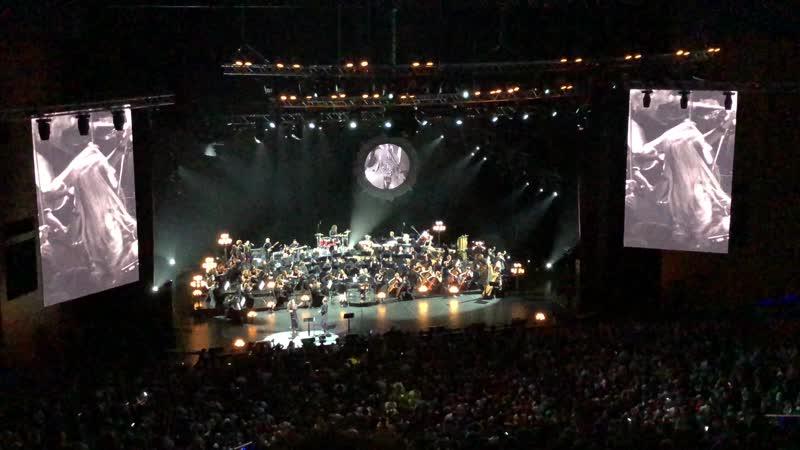 БИ-2 с симфоническим оркестром Manizha - Люди на эскалаторах (Crocus City Hall 16.05.2019)