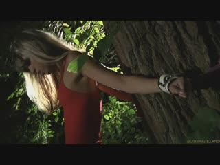 Связал и жестко трахнул крошку в лесу