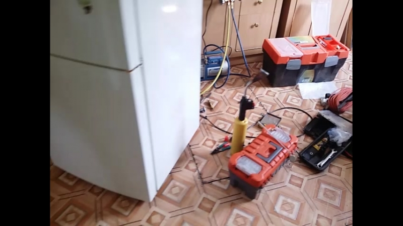 Заправка фреоном холодильника самсунг.