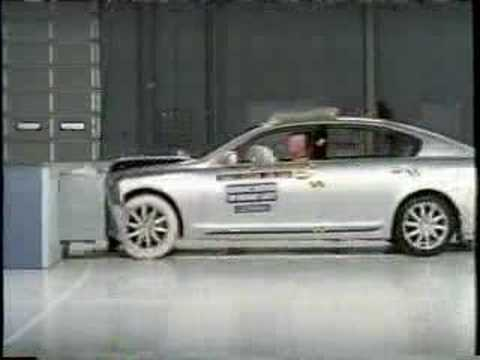 Crash Test of Lexus GS300 / Toyota Aristo (2006 - 2011) Frontal Offset IIHS