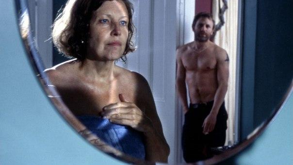 смотреть голые аппетитные мамы в фильмах