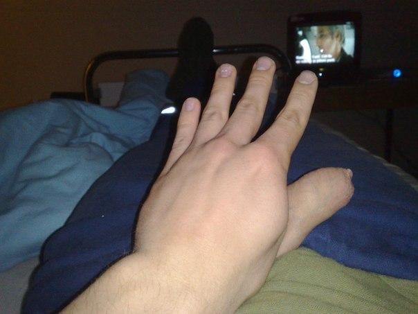 палец в члене фото