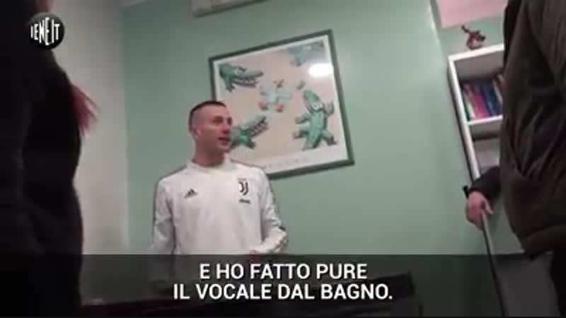 Bernardeschi chiuso in bagno dopo la Supercoppa: lo scherzo delle Iene – VIDEO