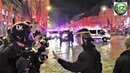 Un CRS jette une grenade lacrymogène sur des journalistes Gilets jaunes Champs Élysées 22 12 2018