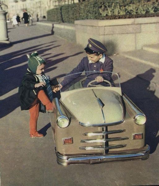 Садись, подвезу! (СССР, 1960-е годы)