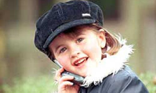 Нужен ли ребёнку до 10 лет мобильный телефон? 6 мифов о мобильнике для ребенка 1. Мобильник – это лишь предмет для хвастовства. Будут сплошные разборки, у кого телефон «круче», в каком больше «наворотов». Отчасти правда. Но дело в том, что до определенного возраста (впрочем, у некоторых это продолжается и до седых волос) все вещи так или иначе становятся предметом разборок. Не телефон, так платье, не платье, так туфли, портфель и т.д. Если впоследствии появляются иные, более содержательные…