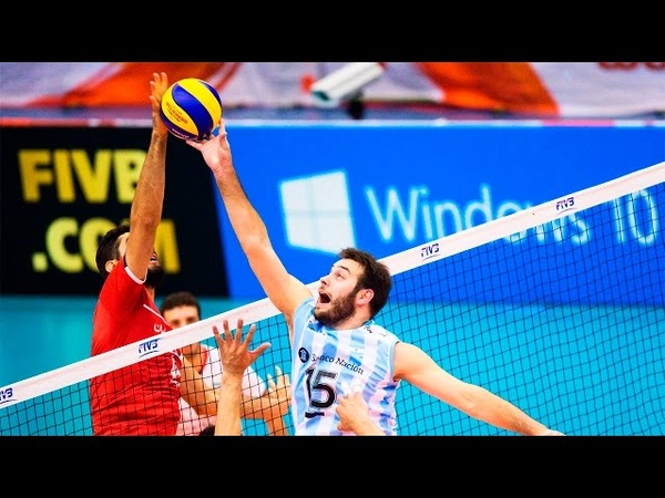 The best volleyball setter in the world Luciano De Cecco