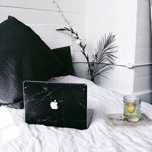 Мраморные наклейки на ноутбук -