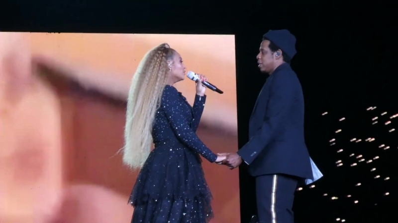 Jay Z Beyoncé - Young Forever / Perfect Duet (Cologne • On The Run II Tour)