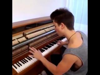 Деспасито на пианино! парень молодец