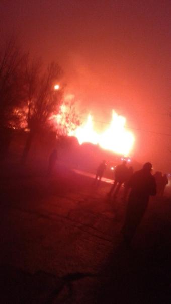 В борделе Истры, на улице Урицкого сегодня очень жаркая ночь. По словам очевидцев люд...