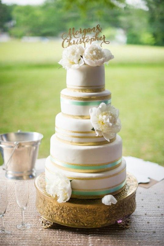 rScjDVex580 - Золотые и серебряные свадебные торты 2016 (70 фото)