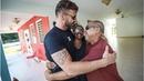 Ricky Martin cumple su promesa Entrega tres de las casas que construyó en PuertoRico