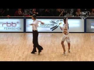 Чемпионы мира WDSF по латине Нино Ланжелла - Кристина Мошенская, танцуют самбу в финале ЧМ 2013