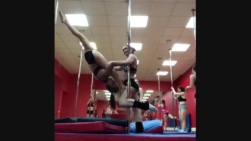 Pole Duo тренеры Мария Скрипникова и Яна Сотова