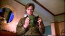 Стэнли Ипкисс (Джим Керри) первый раз одевает маску_часть 1.Маска(фильм 1994)