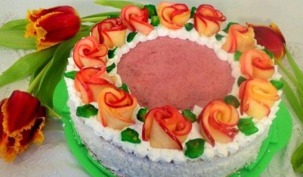 Как украсить торт яблоками