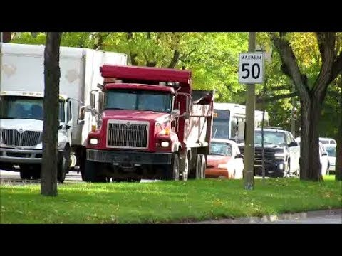 CANADIAN TRUCKING IN MONTREAL QUEBEC / OCTOBER 2018