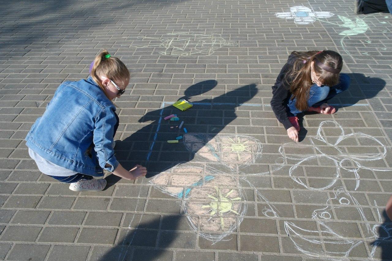 Дети на 9 Мая в Горках.
