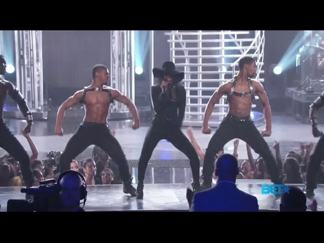 "Kelly Rowland (featuring Trey Songz) – ""Motivation"" live @ BET Awards 2011"