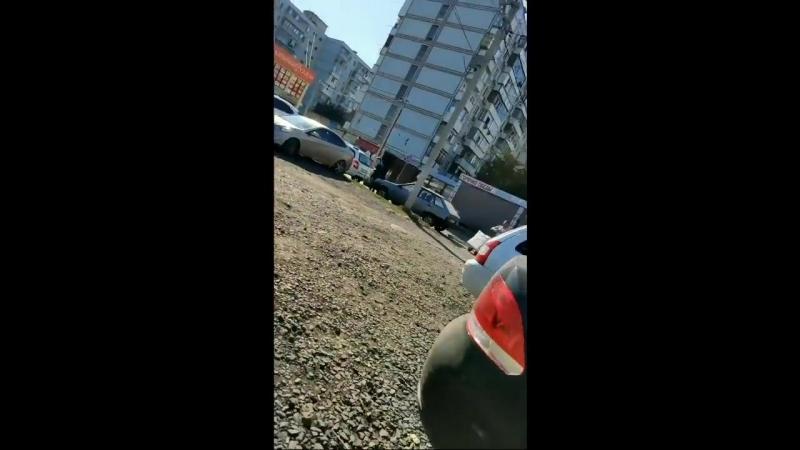 Дуболомы с Темерника закидали камнями за-то, что не заплатил за парковку Ростов-на-Дону