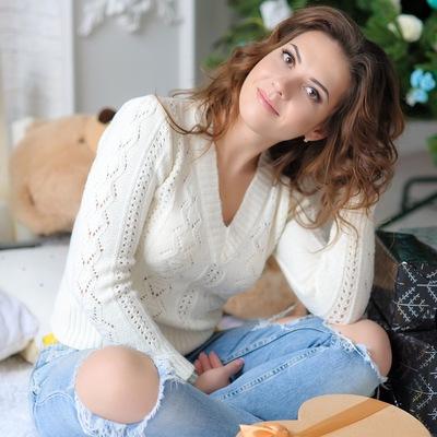 Наташа Томилова