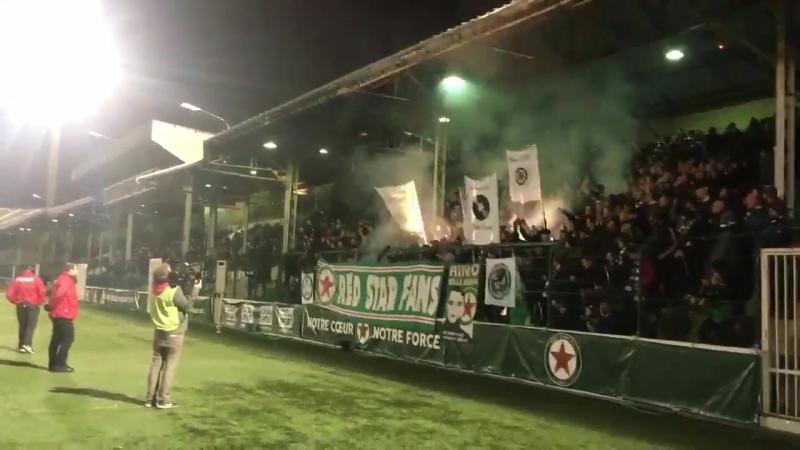 Coup d'envoi à l'instant de la rencontre entre le Red Star FC et Rodez AF (17/11/2017)