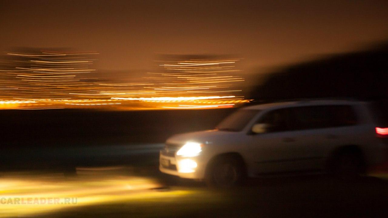 На Lexus LX 570 2012 бездорожье напоминает хороший асфальт
