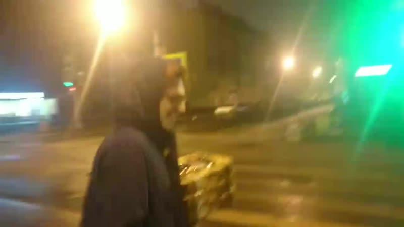 в этом видеоролике вы увидите как илья александрович и ян игоревич идут с пиццей по улице куйбышева и говорят о том о сем
