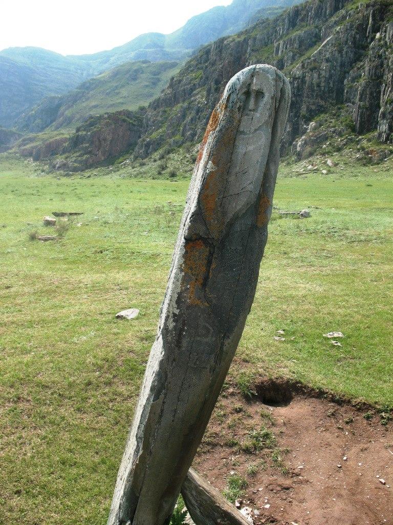 Святилище Адыр-Кан (Чуйский оленный камень)
