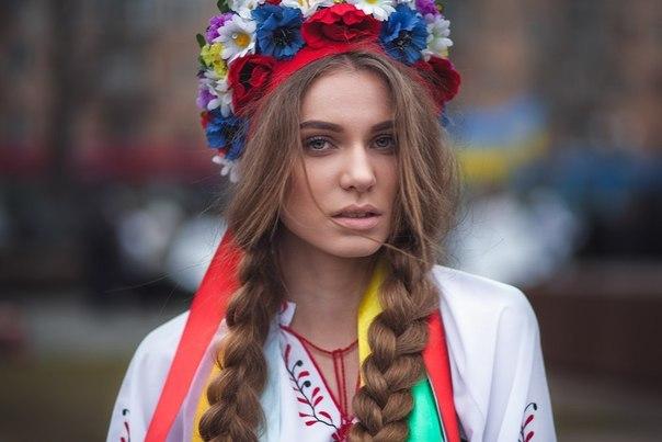 Eurotic tv girl roshana