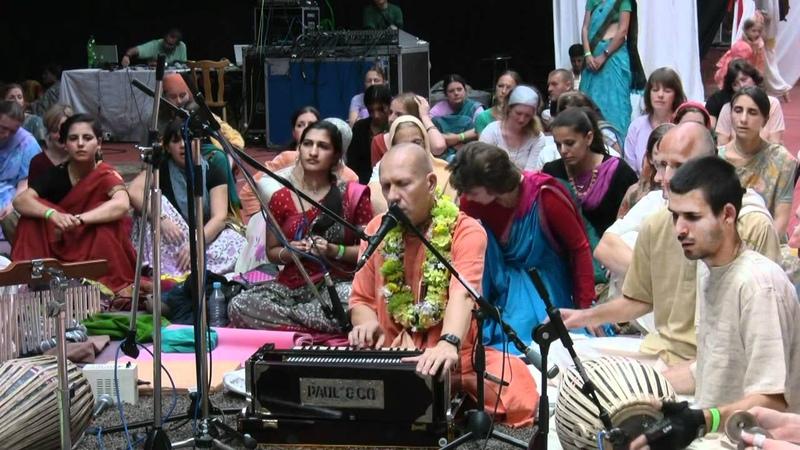 Kirtan Mela Nama Yagna with H.H. Bhakti Vaibhava Swami 02.09.2011 in Feriendorf Hoher Hain - Germany