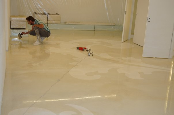 наливной бетонный пол на фанеру