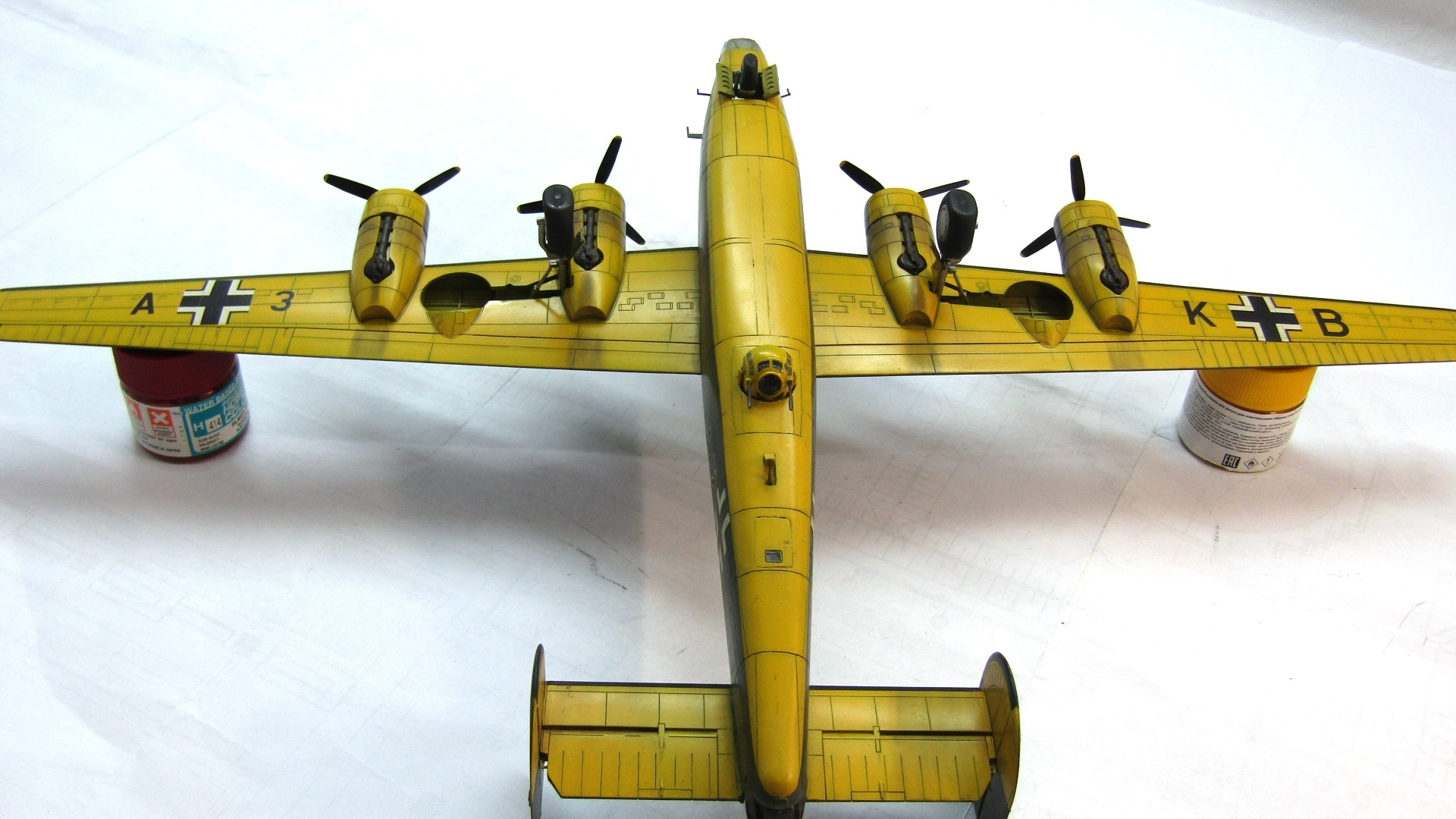 B-24H Liberator 1/72 (Academy) 2sGpNgFUr_Q