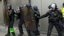 Журналистка RT France ранена в лицо на акции протеста жёлтых жилетов