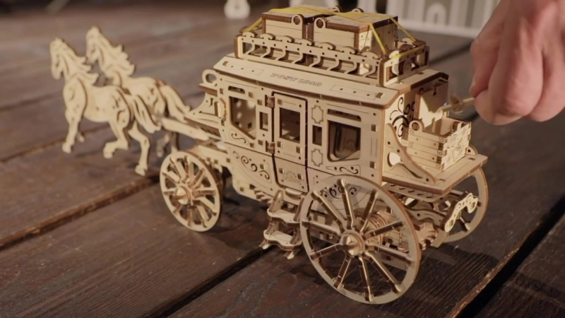 Сборная механическая модель-конструктор Почтовый дилижанс Ugears