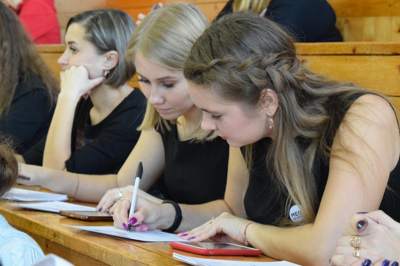 Юные ученые Зауралья защитили свои исследовательские работы на областном Фестивале науки
